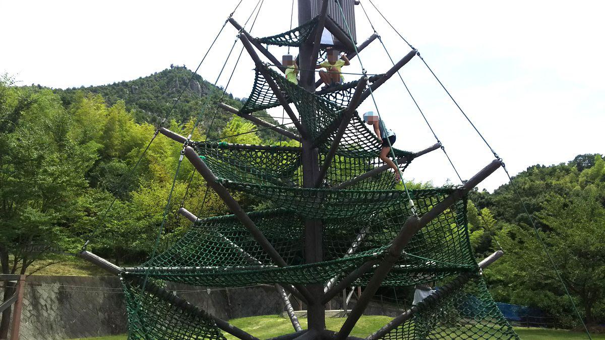安神山(あんじんさん)わくわくパーク ネット登り