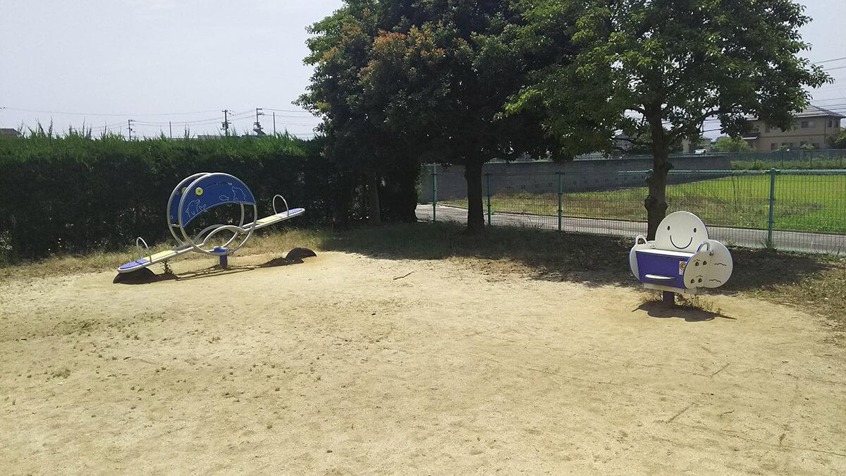 東垣生公園ちびっこ広場 シーソー スプリング遊具