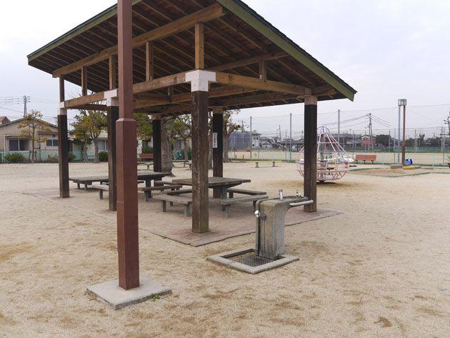 写真:東垣生公園 休憩所