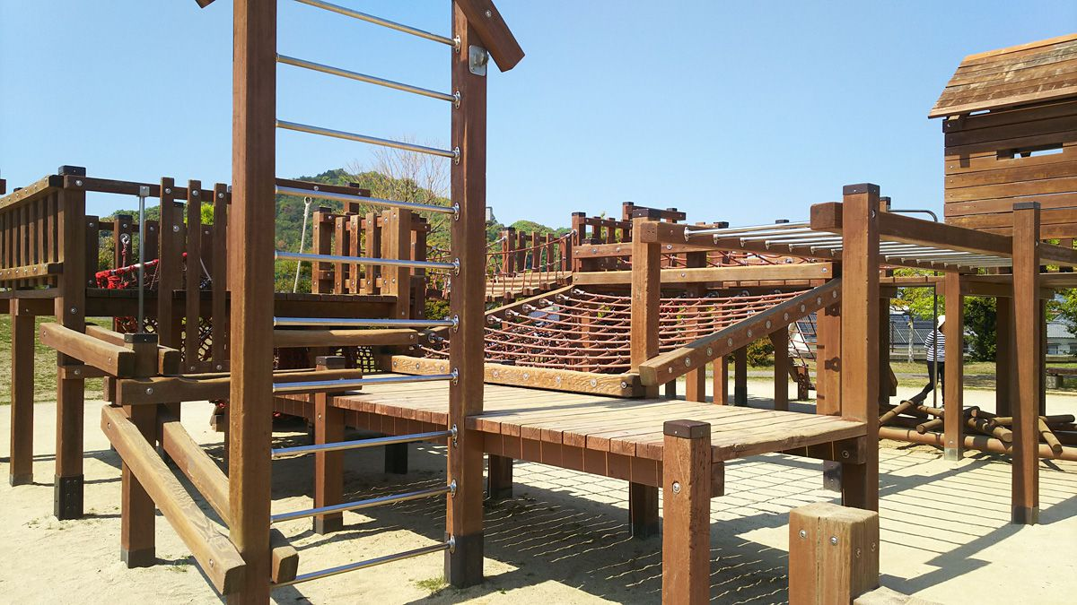 南江戸公園 大型コンビネーション遊具 うんてい、斜面ネット登り等