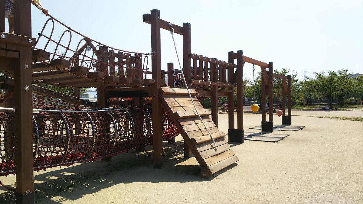 南江戸公園 大型コンビネーション遊具 ターザンロープ等