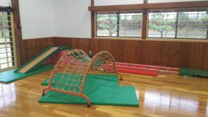 松山市北条児童センター 太鼓橋・すべり台