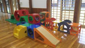 松山市北条児童センター トンネルコンビネーション遊具